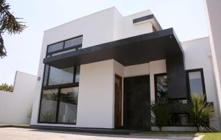 fachada-alero-cornisa-filtración
