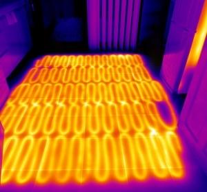 Imagen termográfica de suelo radiante.