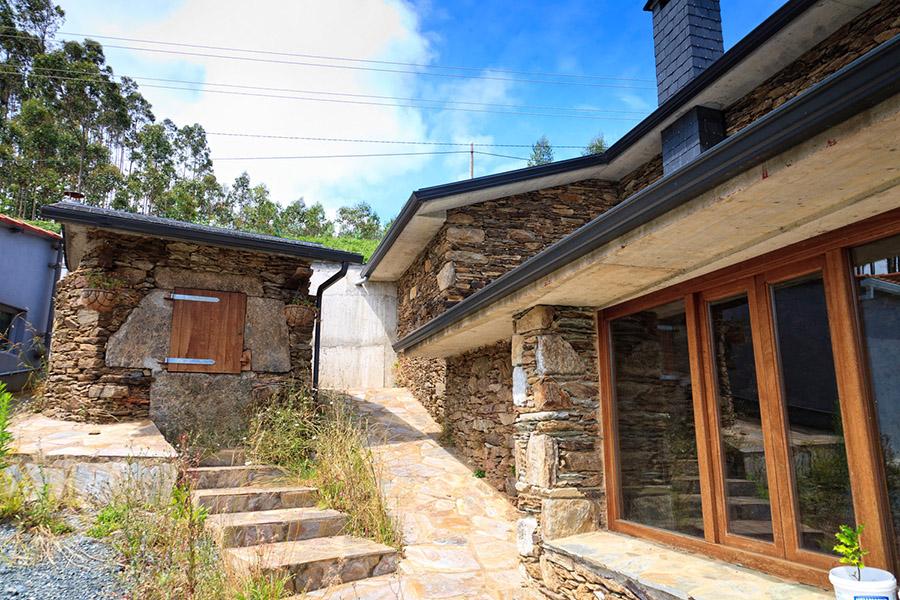 Casas de piedra con humedad hume ingenier a - Como solucionar humedades en paredes ...