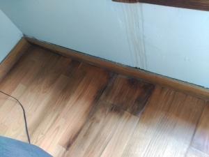 parqué madera humedad