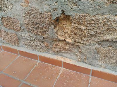 piezas fachada humedad